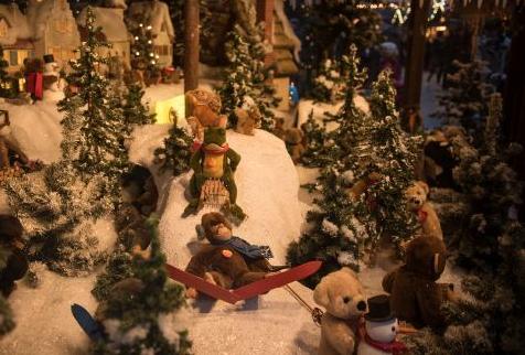 クリスマスマーケット【ドイツ】ウルム子供シュタイフの展示